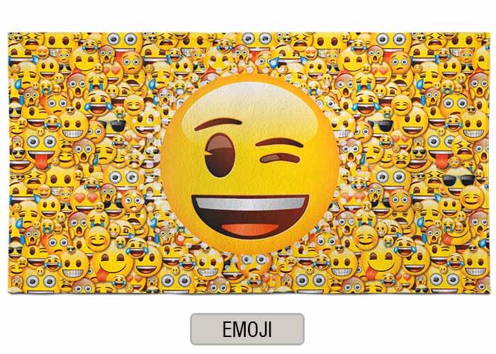 Toallon Piñata Disney - Emoji